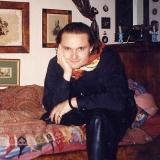 В своей квартире в Париже, 1990 г.
